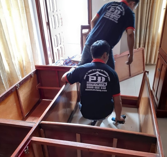 Thợ chuyển nhà tháo lắp giường tủ